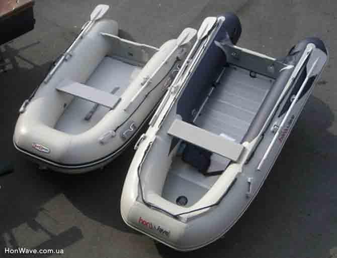 Надувная лодка HonWave T25-AE вместе со второй лодки