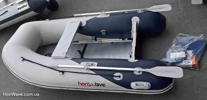 Надувная лодка ХонВейв вид сбоку